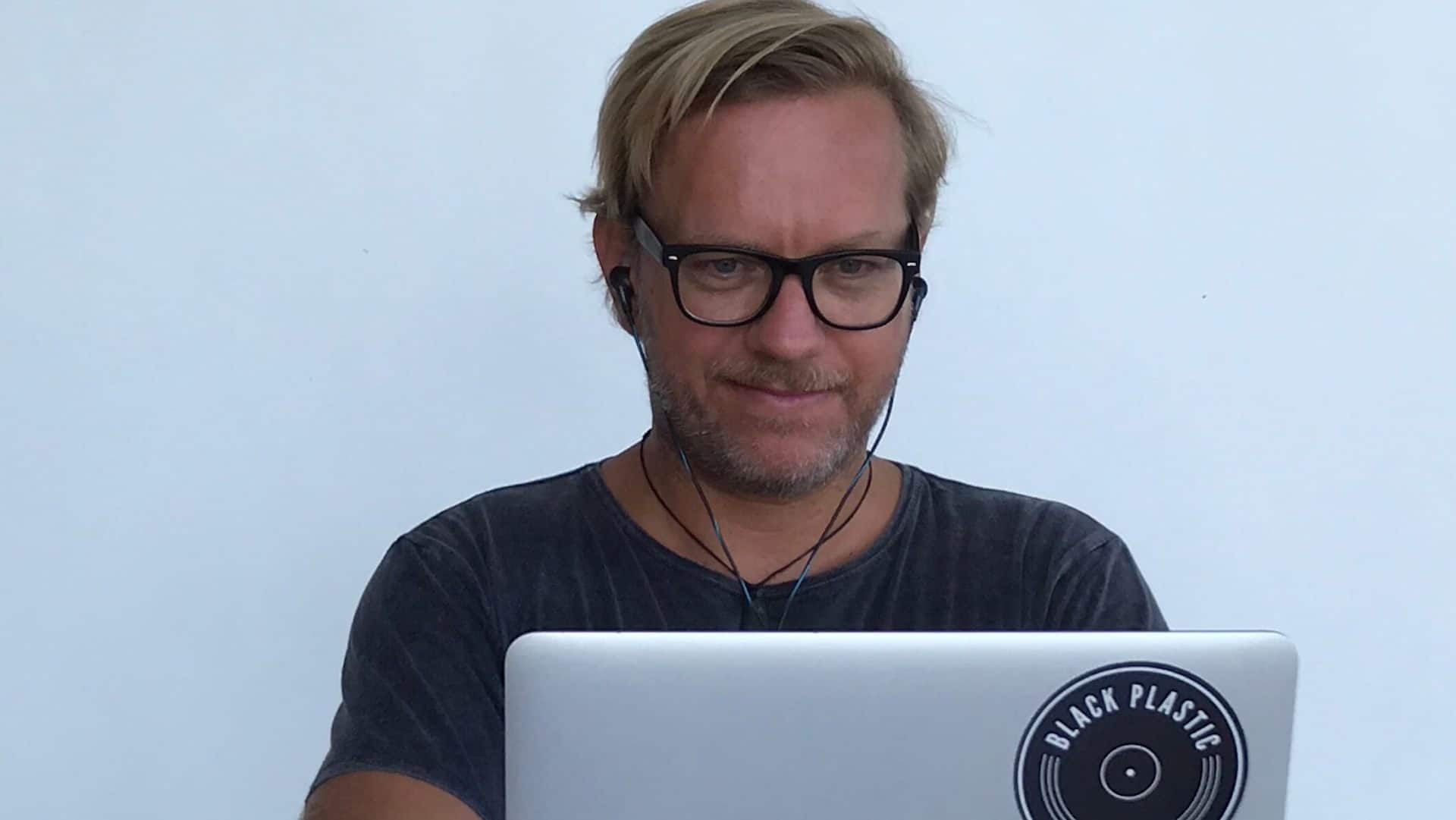 Lars Kleining am Computer